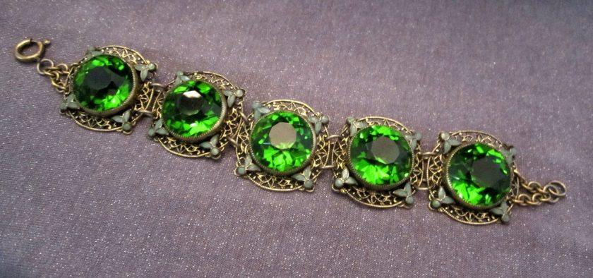 Exciting Bits of Information and Trivia About Jewelry